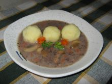 Barszczyk z kaszanką do ziemniaków