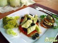 Bazyliowe kluseczki z musem i pomidorami
