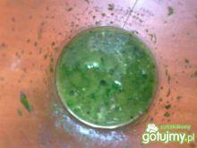 Bazyliowy sos do sałatki capreze
