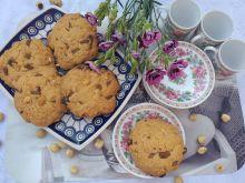 Bezglutenowe ciasteczka z orzechami i czekoladą