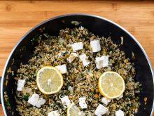Ryż z serem feta i groszkiem