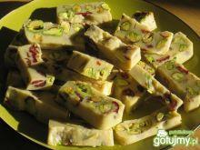 Biała czekolada z orzeszkami i żurawiną