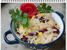 Biała kapusta Eli z kukurydzą i fasolą