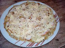 Biała pizza z patelni
