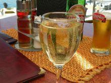 Białe wino – do czego pasuje?