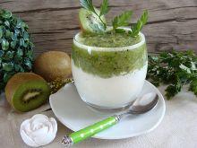 Biało zielony deser z kiwi