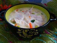Biały gulasz z kurczaka z warzywami