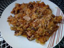Bigos z grzybami, kiełbasą i mięsem