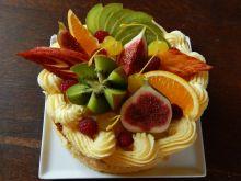 Biszkopt z owocami