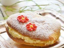 Biszkoptowe ciastka - jajka z kremem