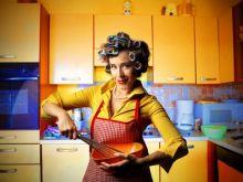 Blondynka w kuchni