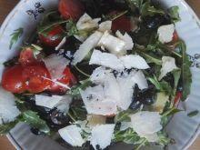 Błyskawiczna sałatka z miodowym sosem