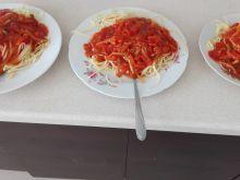 Błyskawiczne spaghetii z sosem