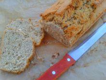 Błyskawiczny żytni chleb z  piwem i czarnuszką