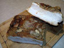 Boczek pieczony w przyprawach i cebuli