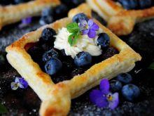 Borówkowe ciasteczka z ciasta francuskiego