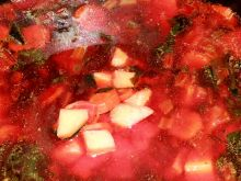Botwinka z pomidorami i szczawiem
