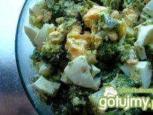 Brokuł, jajko i koperek