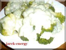 Brokuł w sosie serowo śmietanowym