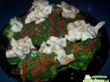 Brokuł z sosem z kurek