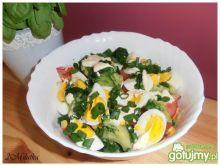 Brokułowa sałatka z pomidorami