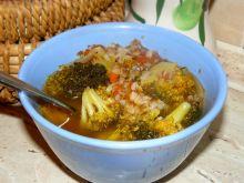Brokułowo- pomidorowa zupa z kaszą gryczaną