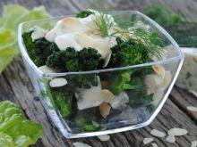 Brokułowo -serowa sałatka