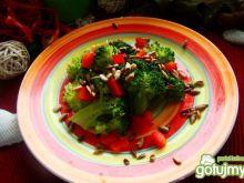 Brokuły z masełkiem i słonecznikiem