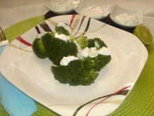 Brokuły z sosem tzatziki