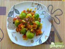 Brukselki z warzywną zasmażką