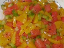 Brzoskwie , arbuz i zielona papryka