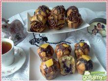 Brzoskwiniowe muffinki z dżemem porzecz.