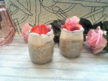 Brzoskwiniowe puddingi chia