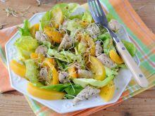 Brzoskwiniowo - kurczakowa sałatka