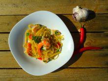 Bucatini z krewetkami, czosnkiem i chilli