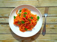 Bucatini z sosem pomidorowym
