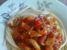 Bucatini z warzywami i kurczakiem