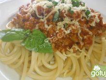 Buccatini po bolońsku
