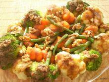 Bukiet warzyw z orzechami