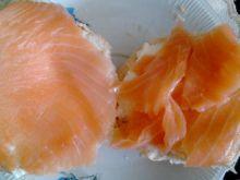 bułeczki chrzanowo-czosnkowe z łososiem