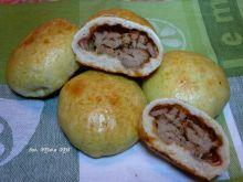 Bułeczki drożdżowe z mięsem z indyka i papryką