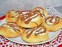 Drożdżówki z twarogiem i czekoladą