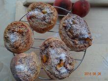 Bułeczki z orzechami i brzoskwiniami