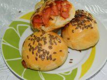 Bułeczki z parówkami i serem