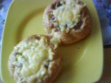 Bułeczki z pieczarkami,szynką i serem