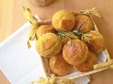 Bułeczki z rozmarynem i serem emmentaler