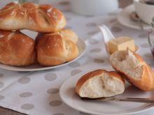 Bułki śniadaniowe dekorowane
