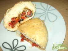 Bułki z nadzieniem paprykowo-pomidorowym