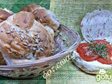 Bułki z wędliną i prażoną cebulką