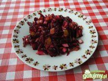 Buraczki czerwone z cebulą i ogórkiem